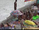 Обнаженные девушки на пляже